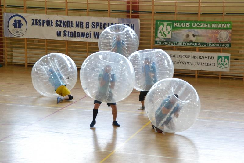 Bubble football, czyli piłka na wesoło