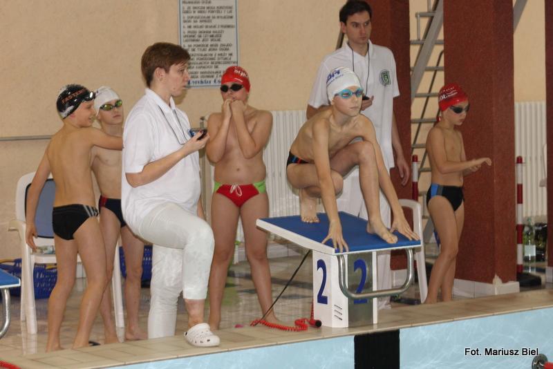 Wielobój drużynowy dla pływaków Motyla