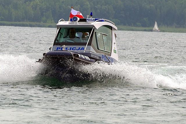 Policjanci rozpoczęli patrole nad Jeziorem Tarnobrzeskim