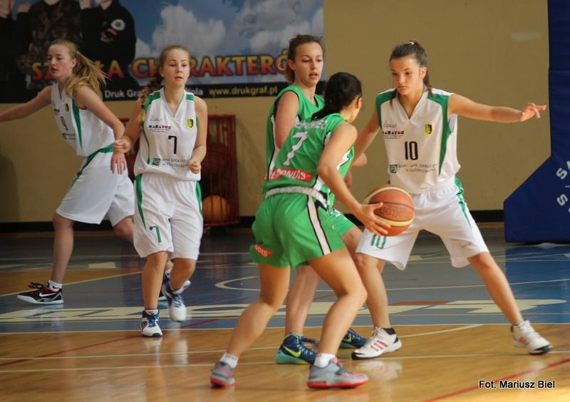 II liga koszykówka kobiet: Stal - JAS-FBG Zagłębie Sosnowiec II 53:87