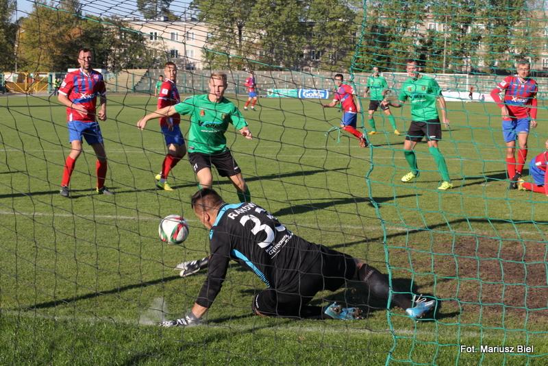 II liga piłki nożnej: Stal - Raków Częstochowa 1:1 (1:1)