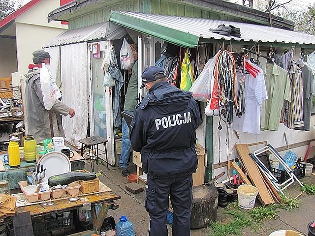Policjanci szukali bezdomnych