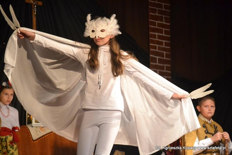 W cieniu białego orła