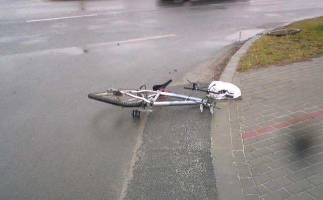 Rowerzystka ucierpiała w wypadku