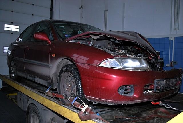 Kierowca mitsubishi uszkodził trzy pojazdy