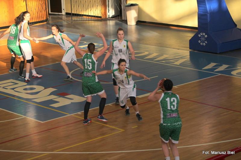 II liga koszykówki kobiet: Stal Stalowa Wola - AZS UŚ Katowice 64:79