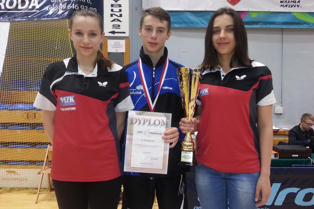 Gim-Tim 5 z medalami z mistrzostw Podkarpacia i z lekcją z mistrzostw Polski