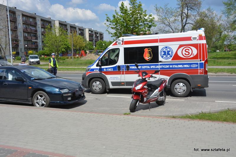 Motorowerzystka ucierpiała w wypadku