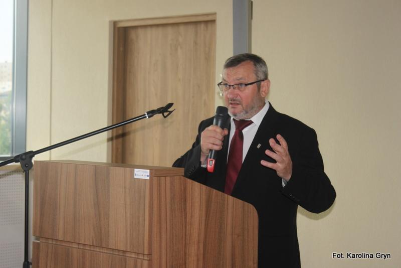 Wykład dr Leona Popka na temat ludobójstwa Polaków na Wołyniu