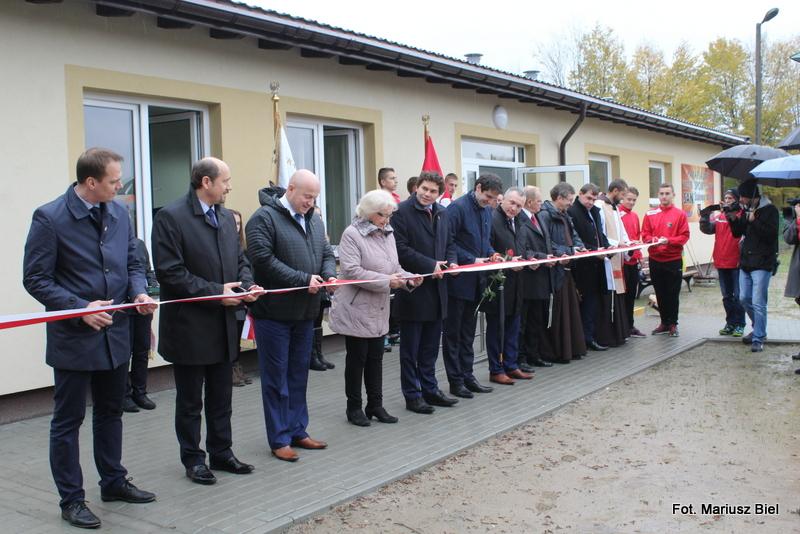 Uroczyste otwarcie pawilonu socjalno-szatniowego na stadionie Sanu Stalowa Wola