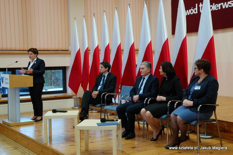 Premier Szydło w Leżajsku o edukacji