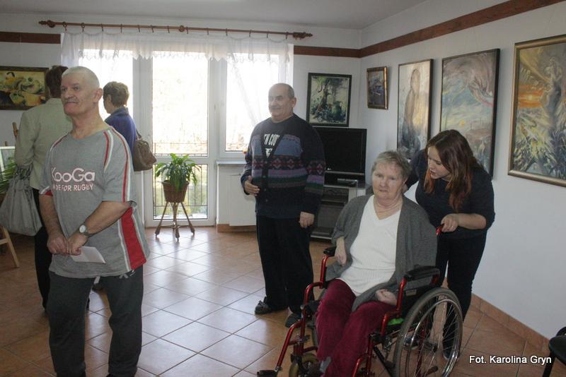 Wystawa malarstwa w Domu Pomocy Społecznej