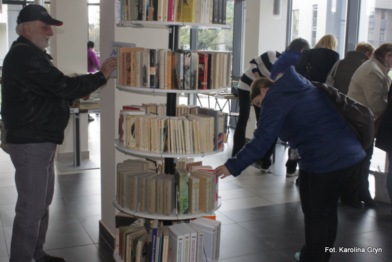 Grudniowy kiermasz taniej książki w MBP