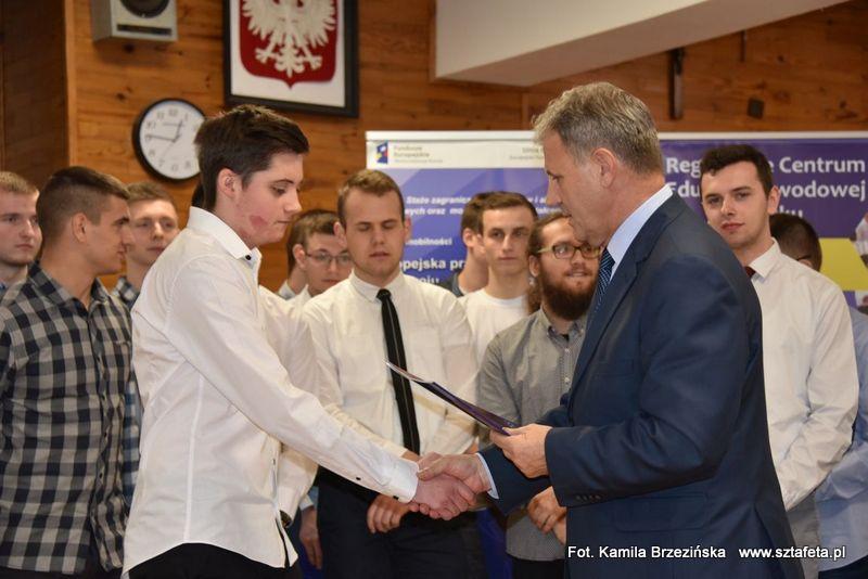Uczniowie RCEZ otrzymali dokumenty Europass Mobilność