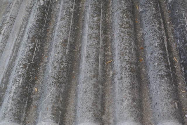 Coraz mniej groźnego azbestu w powiecie niżańskim