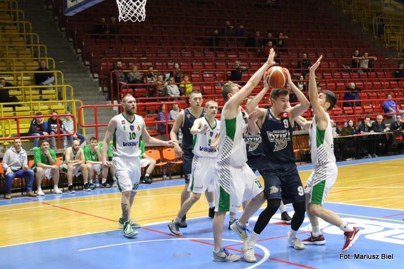 Koszykówka II liga: Stal Stalowa Wola - Dziki Warszawa 93:77