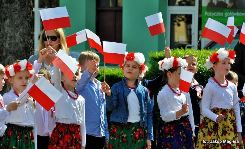 Dzień Flagi z leżajskimi przedszkolakami