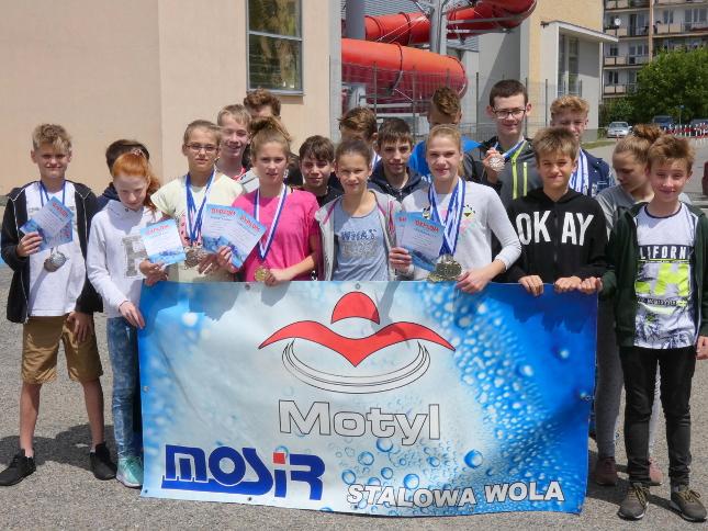 8 mistrzowskich tytułów pływaków Motyla