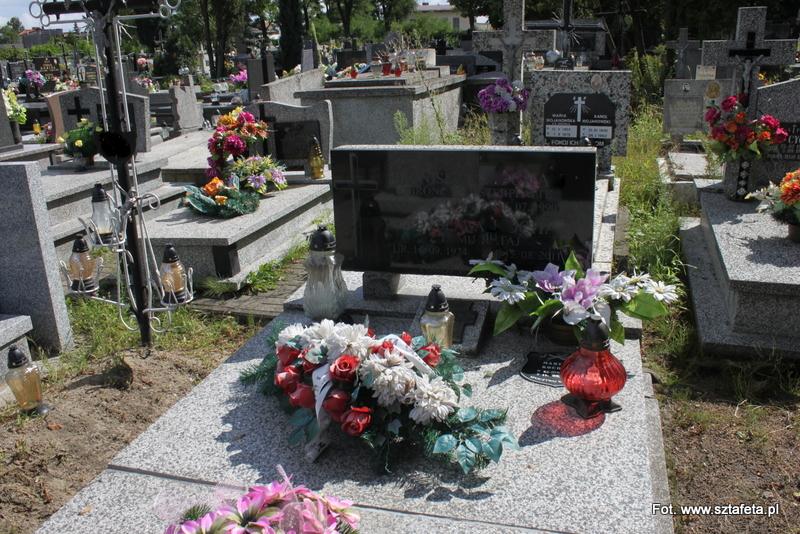 Gorzyce: Ukradli krzyże z 60 grobów