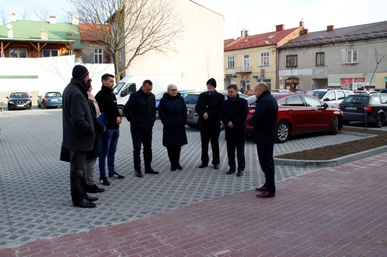 Utwardzono plac przy ul. Paderewskiego w Nisku