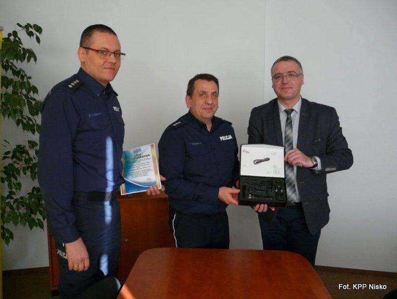 Nowy sprzęt dla niżańskich policjantów