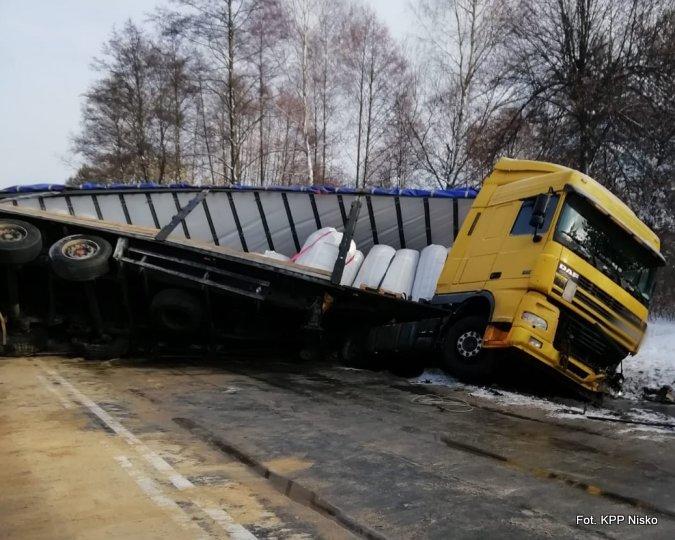 Tragiczny wypadek w Domostawie. Nie żyją dwie osoby