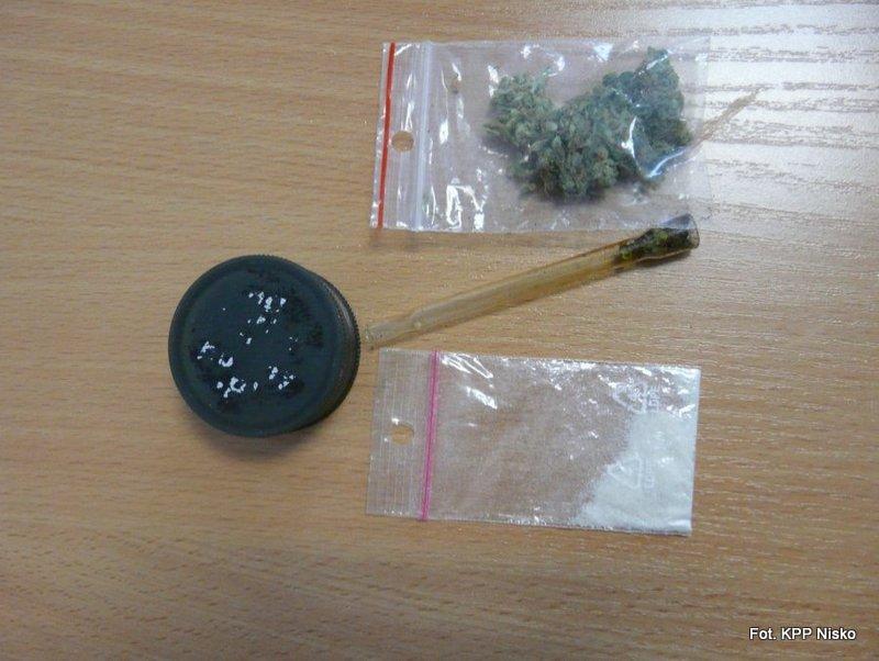 Nisko: Miał 3 promile alkoholu w organizmie, a w kieszeni narkotyki