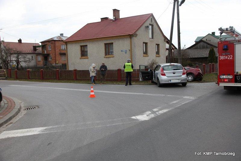 W Woli Baranowskiej zderzyły się dwa pojazdy
