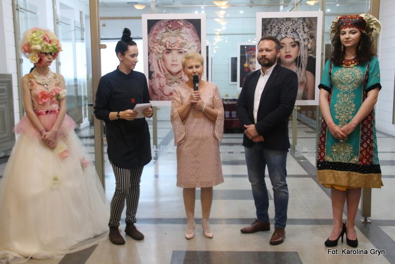 Świat wizażu i fotografii na wystawie