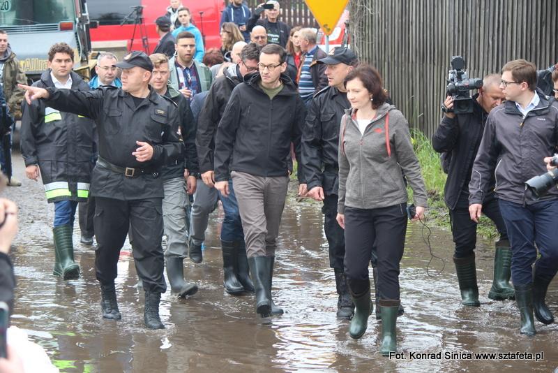 Bojanów walczy z wielką wodą. Przyjechał premier Morawiecki [ZJDĘCIA]