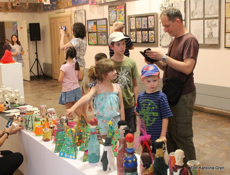 Stalowa Wola: Wystawa małych artystów