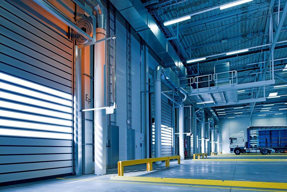 Lampy LED w obiektach przemysłowych? Rozwiewamy Twoje wszelkie wątpliwości!