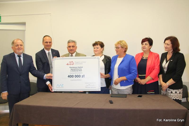 Nowa karetka dla stalowowolskiego szpitala