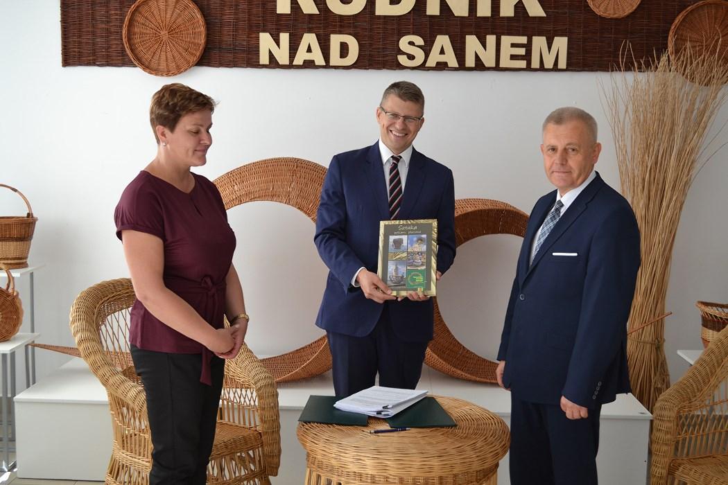 Minister gościł w Centrum Wikliniarstwa