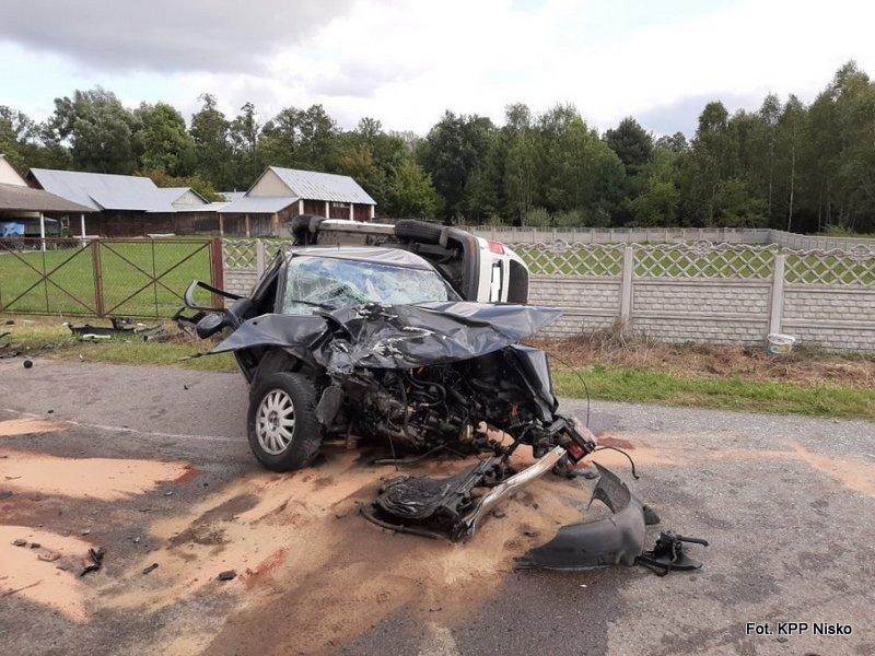 Cztery osoby poszkodowane w wypadku w Kustrawie