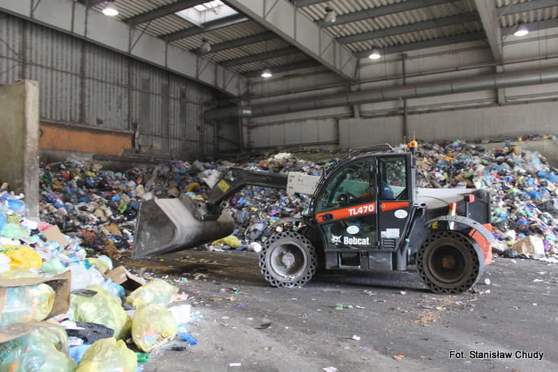 Zakład pożarł wielką górę odpadów