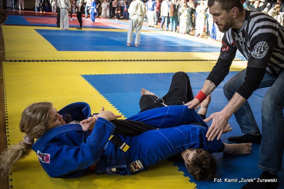 """III Turniej Brazylijskiego Jiu-Jitsu """"Charakterne Dzieciaki"""". 34 medali reprezentantów Kaito Stalowa Wola"""