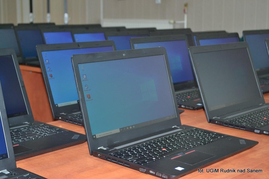 Uczniowie z Rudnika dostaną komputery