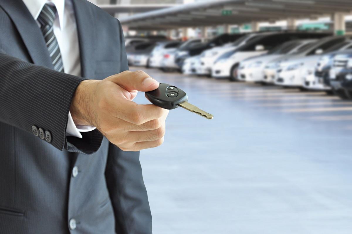 Planujesz wynajem samochodu z wypożyczalni? Zapoznaj się z naszymi poradami