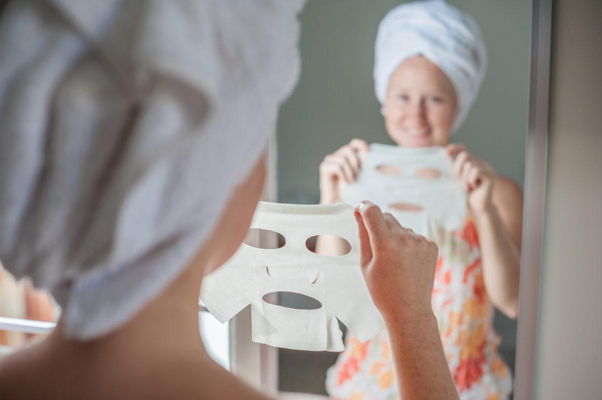 Pielęgnacyjne maseczki do twarzy. Co powinnaś o nich wiedzieć? Sztafeta.pl