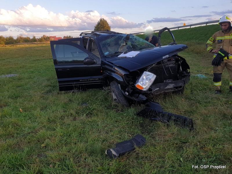 Jazda pijanego kierowcy z Racławic zakończyła się dachowaniem