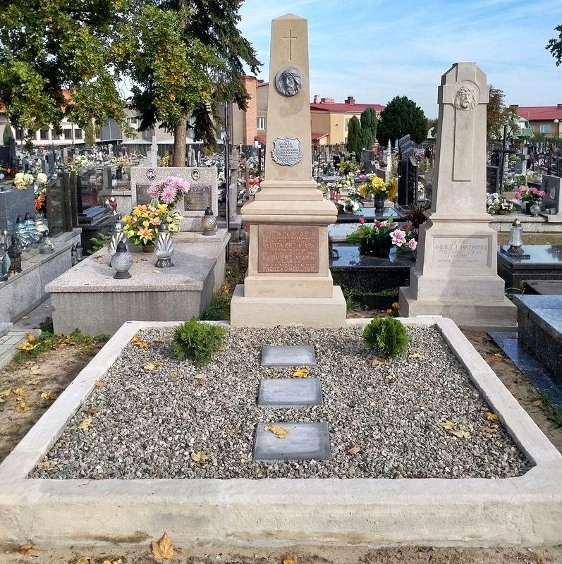 ROZWADÓW. Ratujmy cmentarne zabytki
