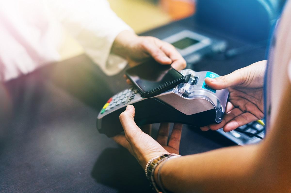 Dlaczego warto wdrożyć w firmie terminale płatnicze?