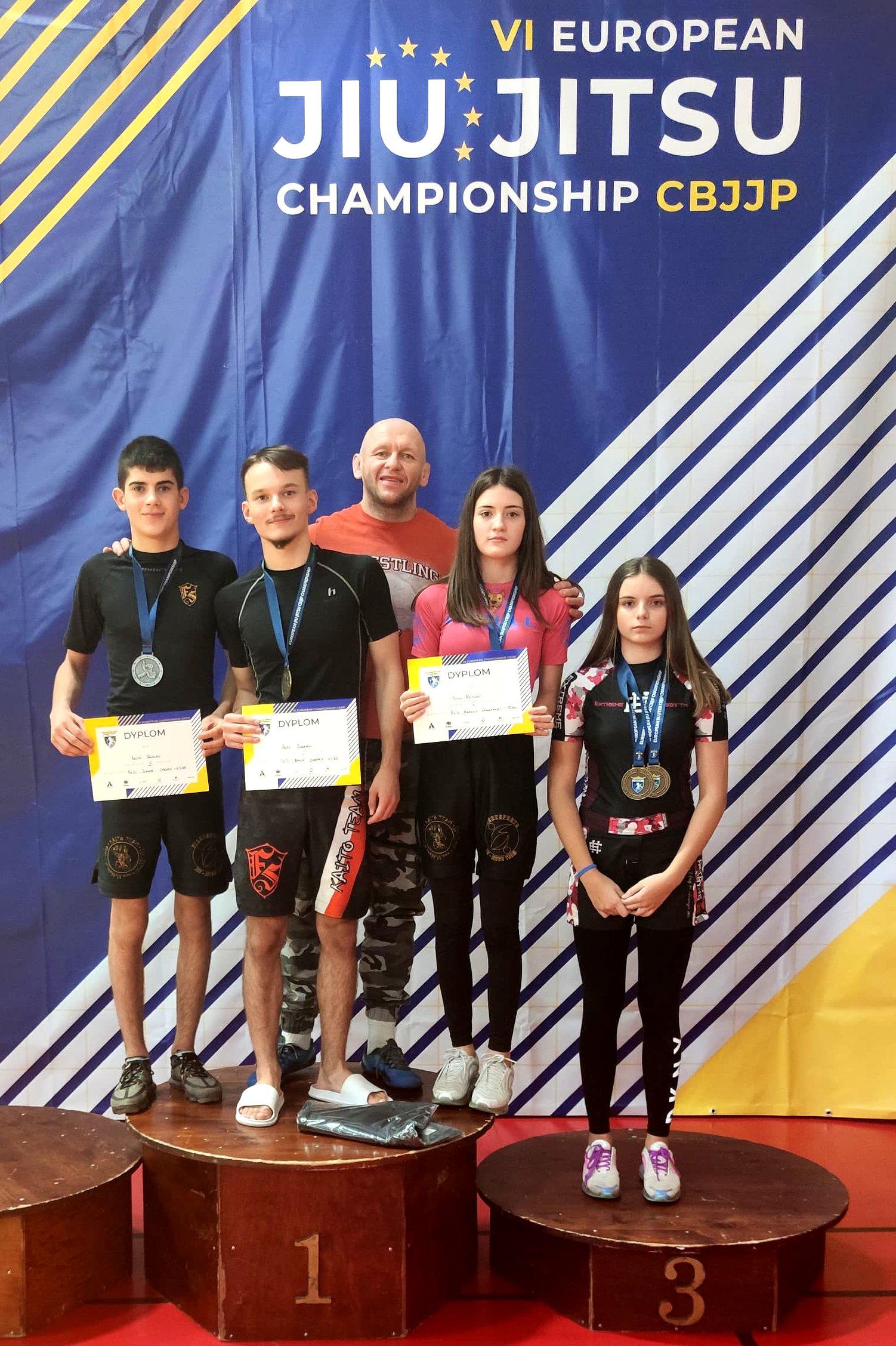 Dwa złote medale Nikoli Ochal